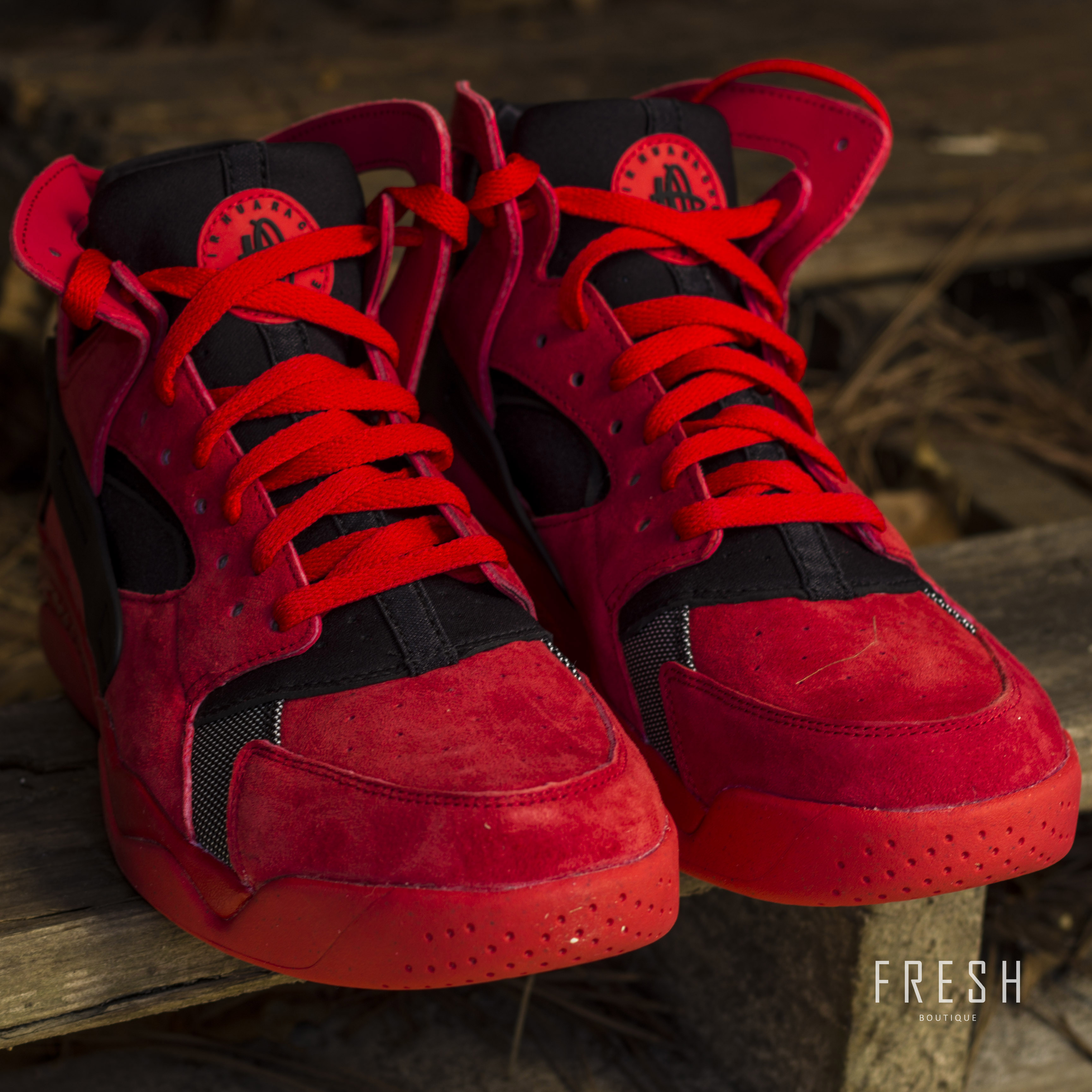 nike air flight huarache red suede fresh sneaker boutique. Black Bedroom Furniture Sets. Home Design Ideas